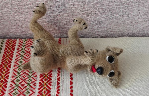игрушка из пряжи щенок
