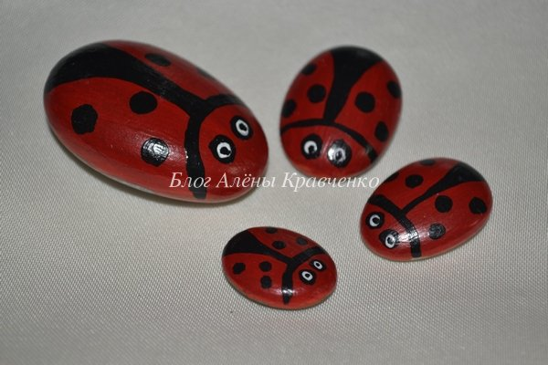 Рисунки на камнях акриловыми красками (фото)
