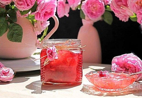 Варенье из лепестков роз с жасмином