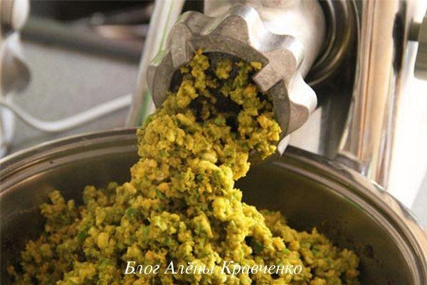 Зеленые грецкие орехи с медом