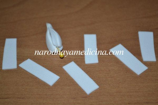 Резинка для волос с цветами из фоамирана