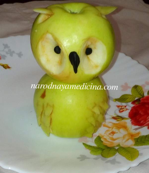 Поделка из яблок сова