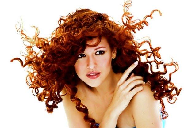 Как укладывать длинные вьющиеся волосы