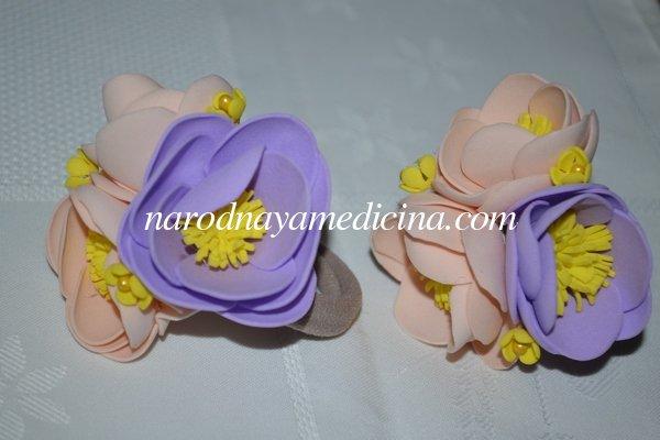 Резинки для волос из фоамирана с цветами