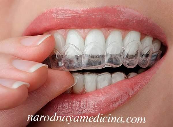 Как пользоваться полосками для отбеливания зубов